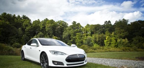 Tesla ist einer der Vorreiter auf dem Gebiet der Elektroautos (Foto: Pixabay)