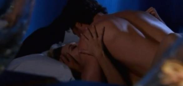 Alessandro e Montserrat fazem amor depois de sete anos separados