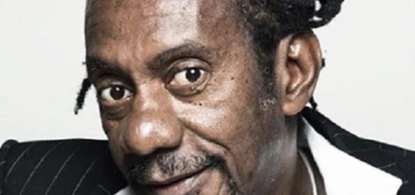 Cantor Luiz Melodia recebe alta hospitalar