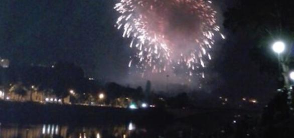 Notte di San Giovanni a Firenze: lo spettacolo dei fuochi d'artificio.