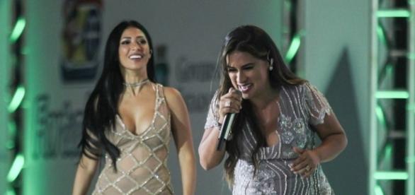 Simone se desesperou ao ver irmã ser 'atacada' no palco (Foto: Reprodução)