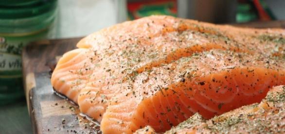 Eating fish reduce symptoms ofrheumatoid arthritis / Photo via Ján Sokoly, Flickr