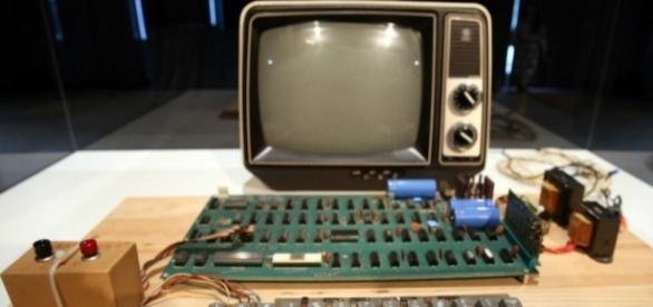 An original Apple-1 computer has recently been sold for £278,428 at Christie's, New York. Photograph courtesy of: Dr-Chomp/Flickr