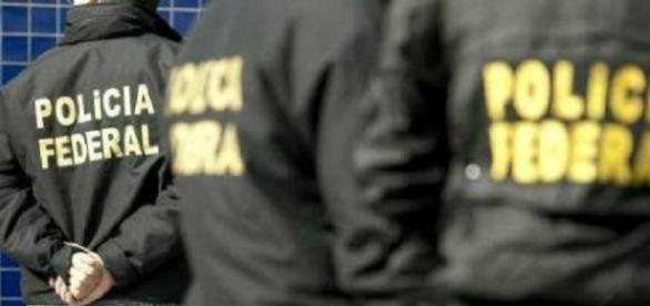 Policiais federais cumpriram mandados da Justiça em cidades de dois Estados brasileiros (Foto: Divulgação/PF)