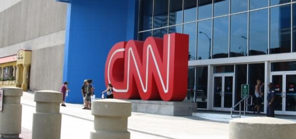 CNN Health Producer caught disapproving of network coverage - (CC BY)