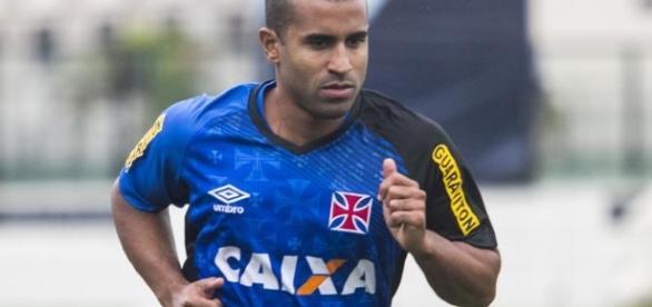 Júlio Cesar irá vestir a camisa do Boavista