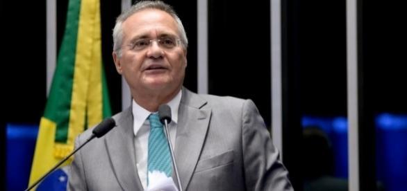 Calheiros critica Temer e se afasta da liderança do PMDB