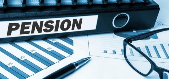 """Comisia Europeană dorește introducerea unei noi """"pensii UE"""""""