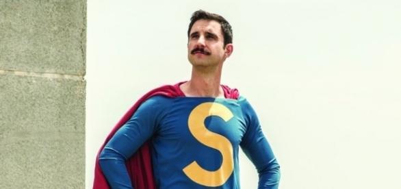 "Dani Rovira como Superlópez, de ""Buenavista Internacional"""