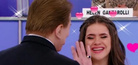 Sílvio homenageia Maisa em seu programa e ela fica emocionada. ( Foto: Reprodução)