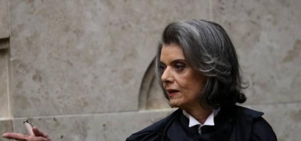 Cármen Lúcia é procurada por ministro do STF