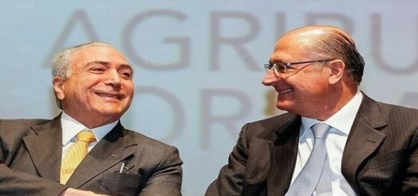Temer tenta convencer PSDB a não abandonar o governo.