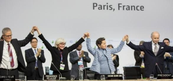 The beginning of the Paris Climate Agreement in 2015. | Photo by UNFCCC via Flickr | CC BY 2.0