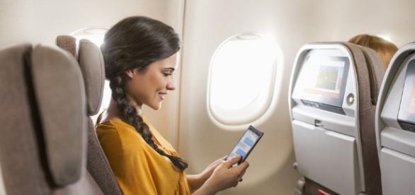 Avianca ofrecerá un nuevo servicio de internet a borde de sus aeronaves - nacion.com