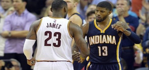 James y George podrían jugar juntos la próxima temporada. Foto AP
