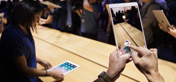 Experience the all new 10.5-inch iPad Pro - apple.com/newsroom