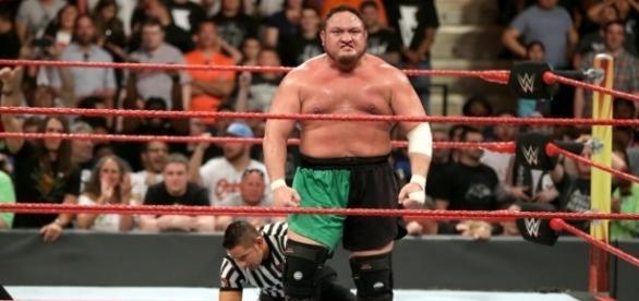 Samoa Joe se medirá a Brock Lesnar por el título Universal WWE en julio en Great Balls of Fire. WWE.com.
