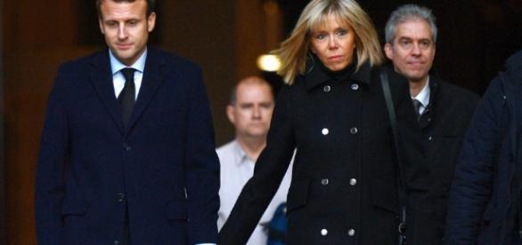 Emmanuel Macron su relación con su mujer Briggitte ha levantado ríos de tinta