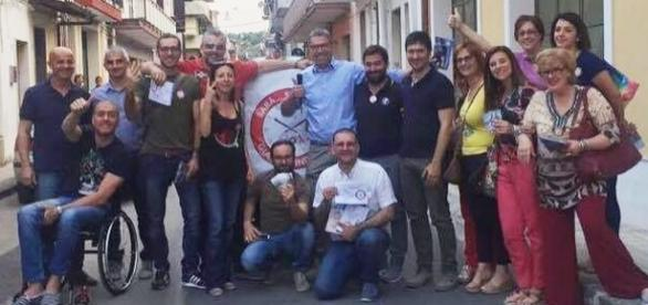 Gioiosa immagine della coalizione Sarà Solarino