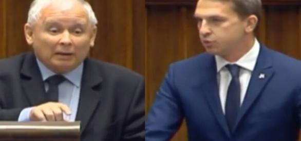 Jarosław Kaczyński oraz Adam Szłapka (źródło: youtube.com).