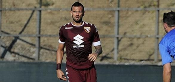 Jogador atuou na última temporada pelo Torino