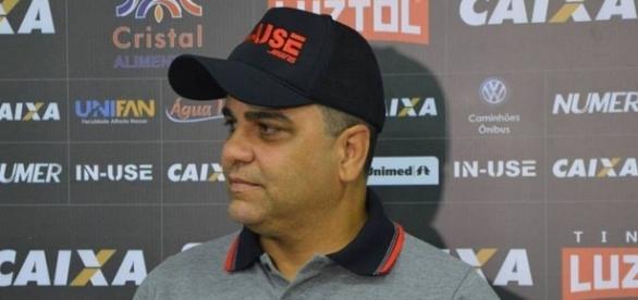 Marcelo Cabo pediu demissão após derrota para o Bahia