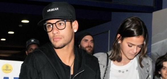 Neymar e Bruna Marquezine em um cinema em Barcelona