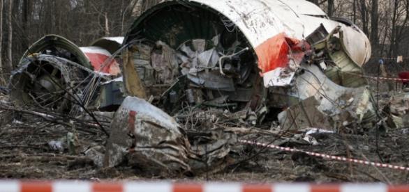 Polonia acuză oficial Rusia de asasinarea preşedintelui Kaczynski - deschide.md