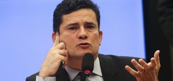Juiz Sérgio Moro rebateu acusações contra ele proferidas por advogado do ex-presidente Lula.