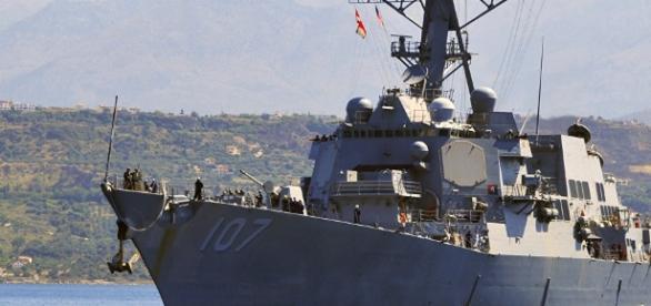 Rusia denuncia maniobras peligrosas de un navío de EEUU en el ... - elpais.cr