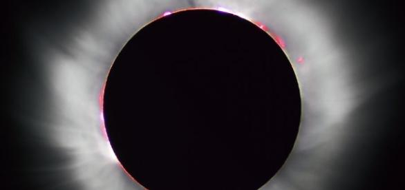 See First Total Solar Eclipse to Cross America in 38 Years on ... - popularmechanics.com