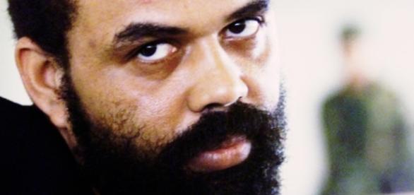 Beira-Mar dá entrevista e revela rotina da cadeia