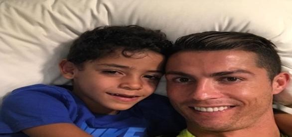 Filho de Cristiano Ronaldo faz gol