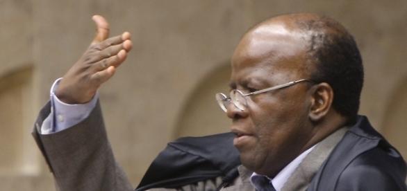Joaquim Barbosa deu rápido discurso na Corte após homenagens