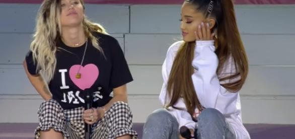 Miley Cyrus and Ariana Grande - Don't Dream It's Over (One Love Manchester) / Screencap from BBC Yotube