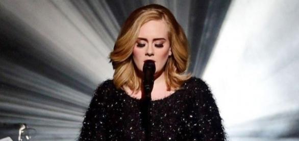 Adele cancela sus conciertos por salud