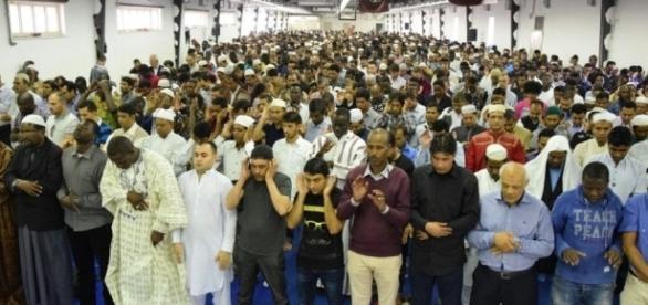 Bari, polemiche per la moschea più grande del Sud