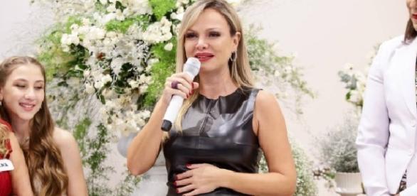 Mensagem Para Filha Gravida Pela Primeira Vez: Eliana Posta Primeira Imagem Da Filha Manuela E Diz Que O