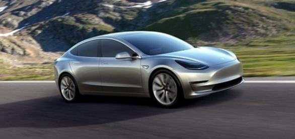 Miliardarul Elon Musk a lansat în producție automobilul Tesla Model 3 - Foto: www.tesla.com