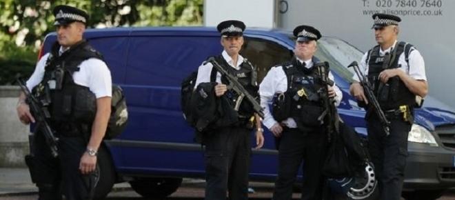 Groază în Londra! Zeci de persoane atacate cu acid