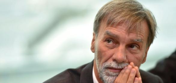 """Case, l'annuncio di Delrio: """"Sarà obbligatorio il certificato di stabilità"""""""