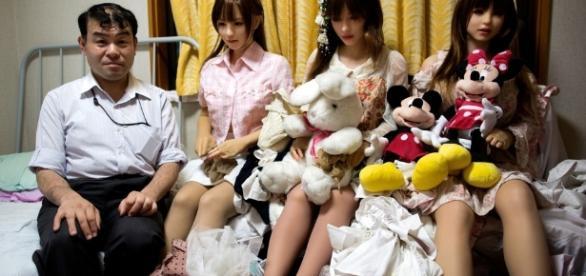 Japoneses desistem de mulheres reais por acharem as bonecas parceiras melhores