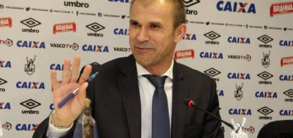 Milton Mendes, técnico do Vasco da Gama