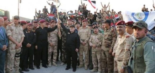 Primeiro-ministro do Iraque declara oficialmente a derrota do Estado Islâmico em Mosul (Crédito: Twitter/Reuters Top News)