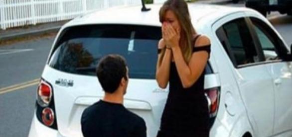 Rapaz tenta casar, mas leva não por ser pobre