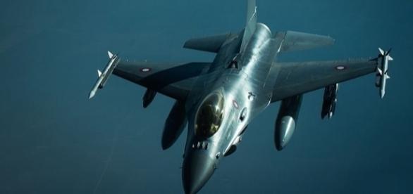 Battle of Mosul - Royal Danish Air Force F-16 (wikimediacommons)