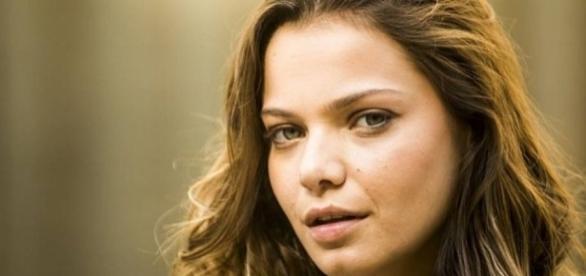 Joana terá, no mesmo dia, motivos para rir e chorar na novela ''O Rico e Lázaro''