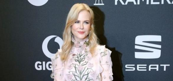 Nicole Kidman Goldene-Kamera-2017-Red-Carpet-Arrivals - Mirror.co.uk