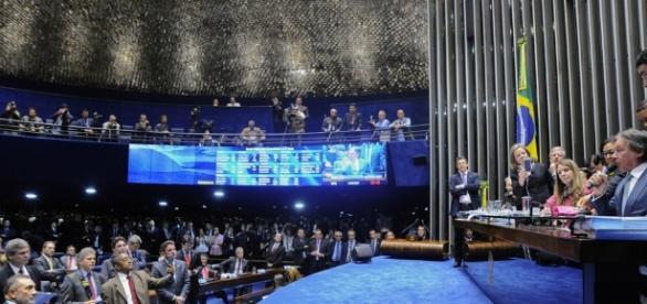 Reforma trabalhista é aprovada no Senado. ( Foto: Reprodução)