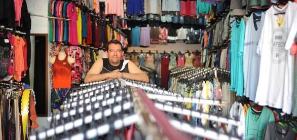 Vendas do varejo perdem força na análise mensal, segundo IBGE